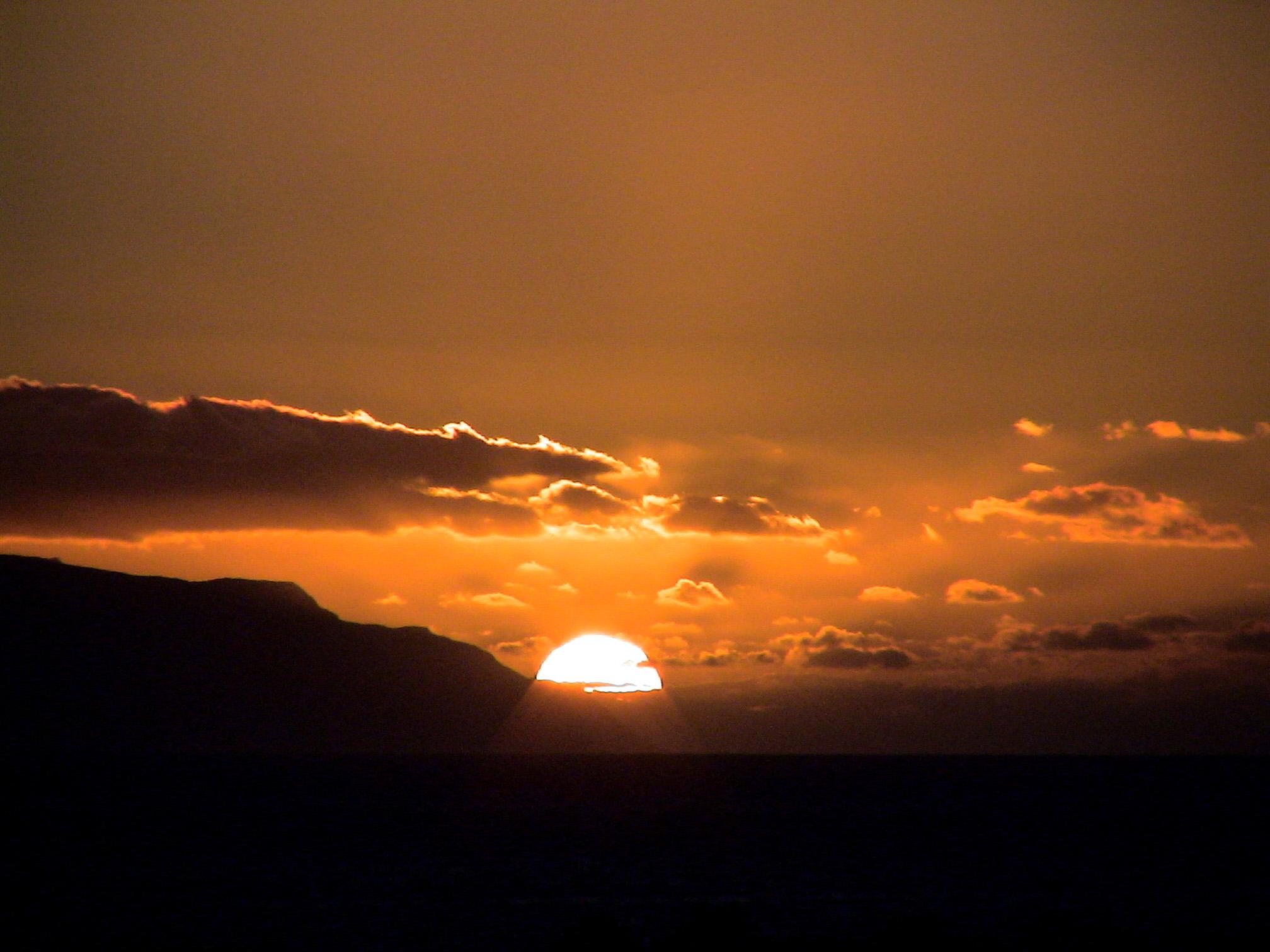 puesta_de_sol_entre_las_nubes-2